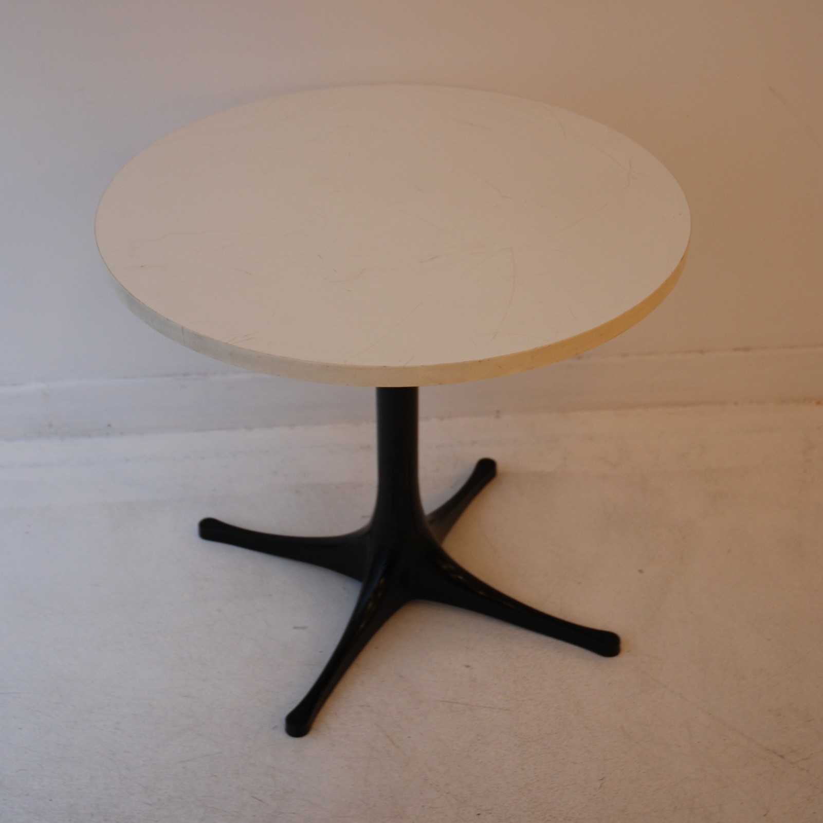 table Nelson